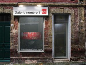 La devanture de la galerie à Honfleur